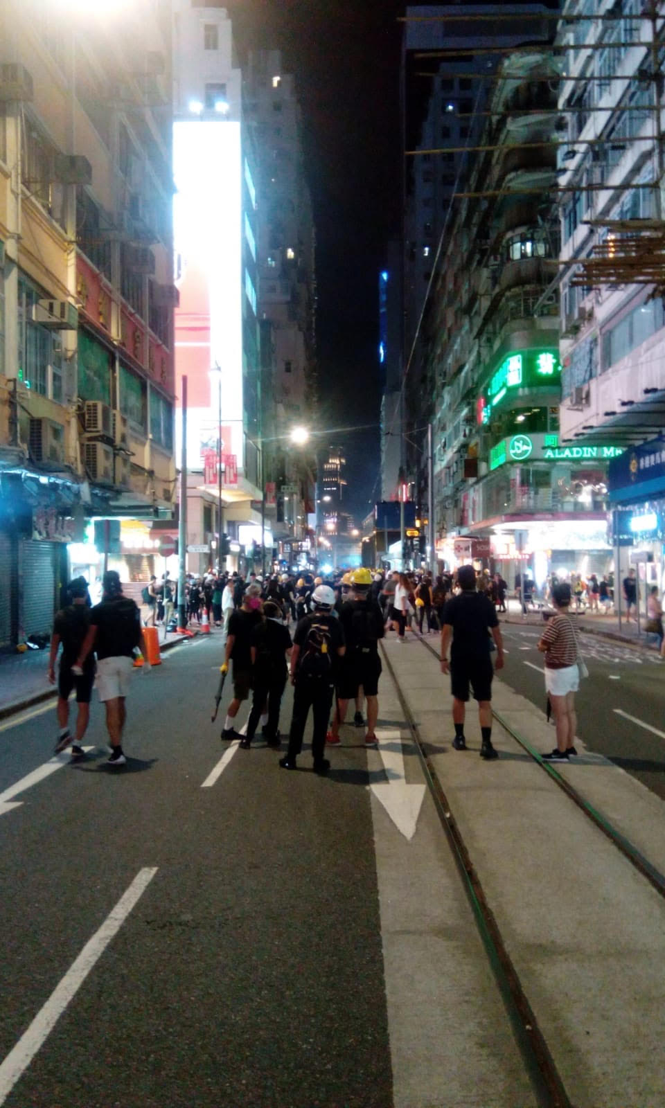 Straße mit Demonstranten
